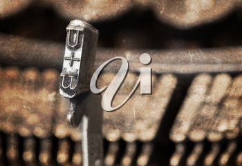 U hammer for writing with an old manual typewriter - warm filter